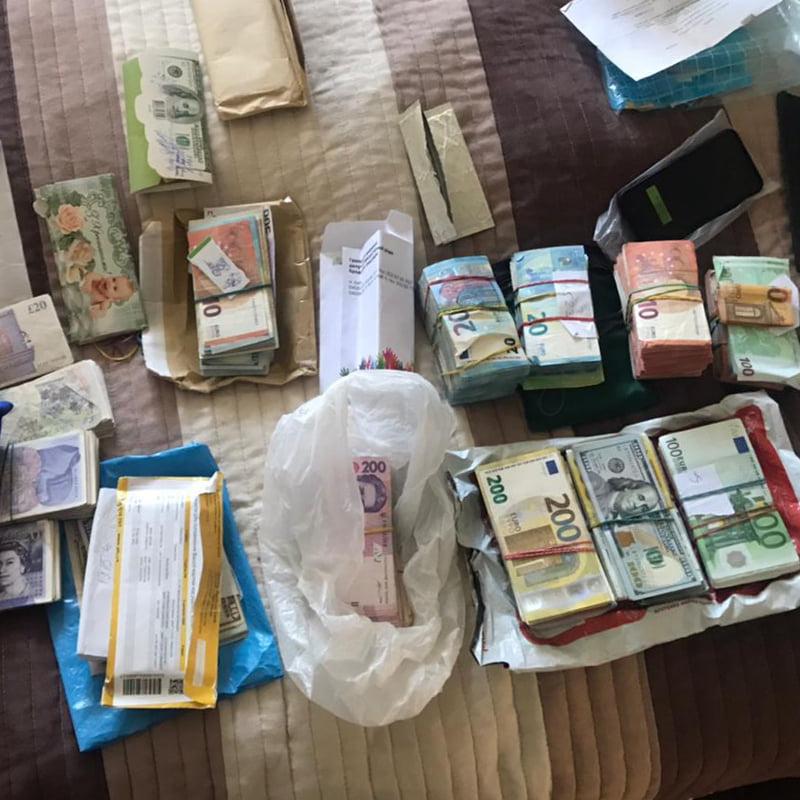 Результати обшуку у депутатів у справі про незаконну торгівлю в підземних переходах Києва